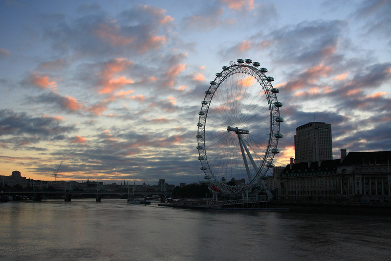 Dawn in London. Photo: Russel Trow / Flickr
